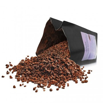 Grué de cacao - Sachet de grué de cacao ouvert et renversé