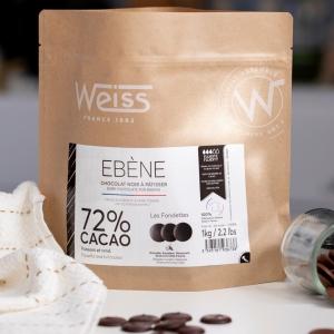 🇫🇷 Lors de sa sortie en 1985 notre chocolat noir 72% était le chocolat avec le pourcentage de cacao le plus élevé du marché. Il est désormais disponible dans notre nouveau format 1kg. Ce chocolat puissant est adouci par la rondeur et la douceur des fèves d'Equateur, il sera parfait pour vos desserts chocolatés en tout genre 😋  Connaissez-vous notre chocolat Ebène 72% ? Ce sachet est disponible dans nos boutiques Weiss ou sur notre site www.chocolat-weiss.fr  🇬🇧 When it came out in 1985, our 72% dark chocolate was the chocolate with the highest cocoa percentage on the market. It is now available in our new 1kg format. This powerful chocolate is softened by the roundness and sweetness of the Ecuadorian beans, it will be perfect for your chocolate desserts of all kinds. 😋 Do you know our Ebene 72% chocolate? This bag is available in our Weiss shops or on our website www.chocolat-weiss.fr  Crédit photo @mariondubanchet   #chocolate #weisschocolate #tasty #chocolatelovers #madeinfrance #chocolateaddict #chocolatweiss #welovechocolate #chocolatfrançais #saintetienne #bakingrange #chocolatsapatisser #patisseràlamaison #chocolatsapatisserweiss #foodista #patissermaison #pastryathome #pastrylovers #amateursdepatisserie #patissiersamateurs #welovepastry #welovechocolate #bakingrange